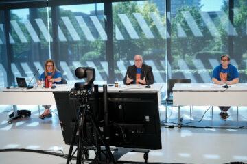 Stéphanie Gratton, vice-présidente, Mario Guertin et Julie Bourassa du comité d'élection