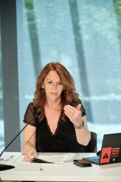 Martine Moreau, présidente du Secteur soutien cégeps et membre du Comité des statuts et règlements