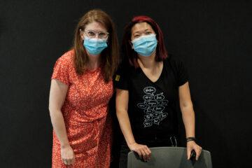 Manon Roberge et Shanti Larochelle, employées de bureau